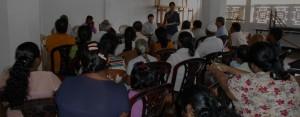 スリランカ:現地住民向け説明会